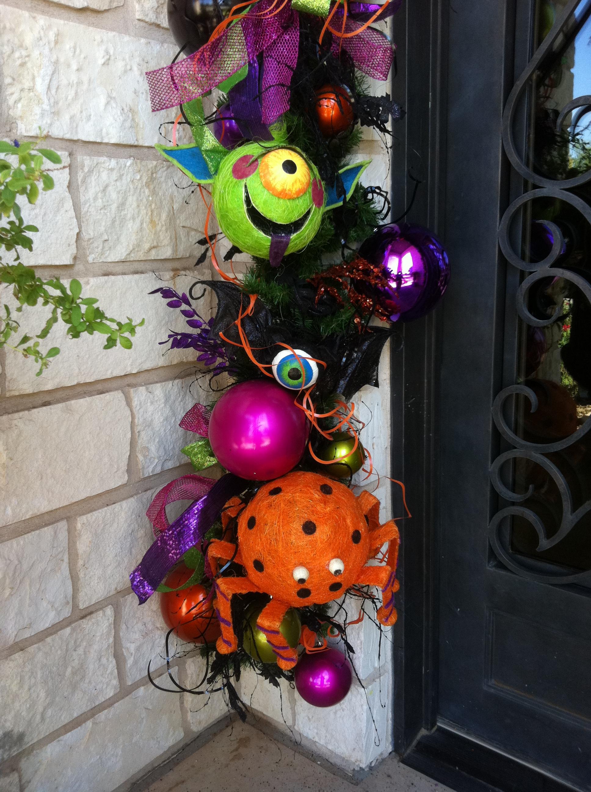 Halloween decorations on Pinterest Halloween Wreaths - Show Me Halloween Decorations