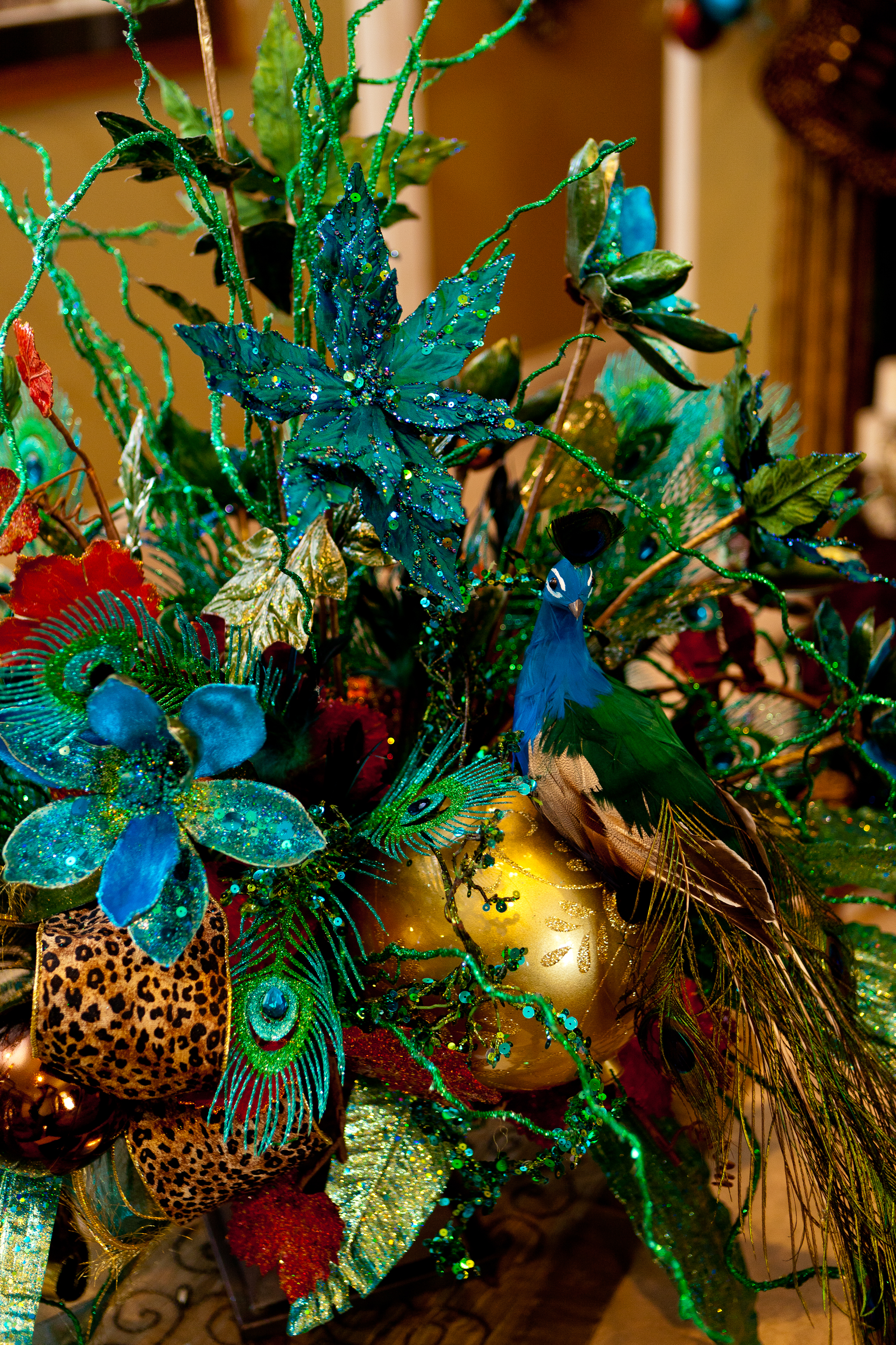Christmas Trees Decorated With Peacocks : Peacock show me decorating