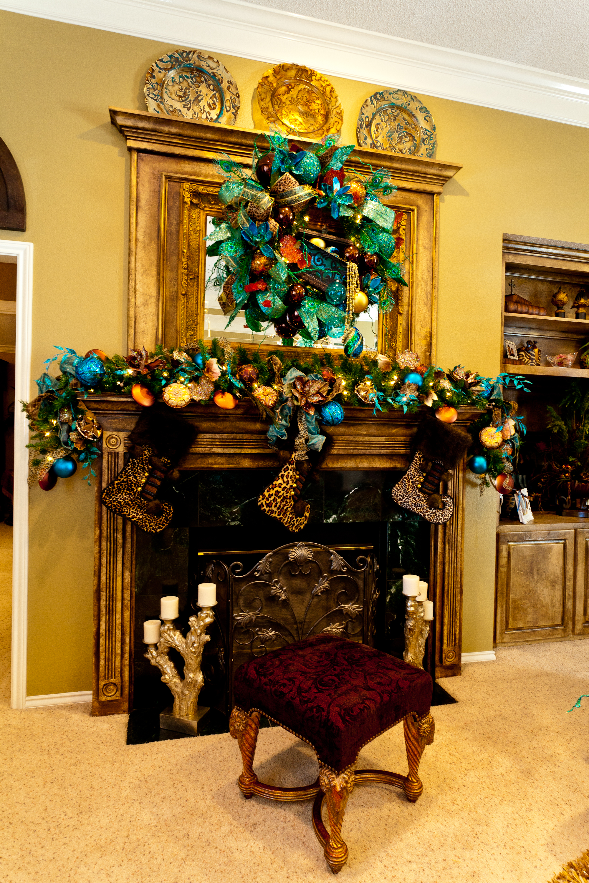 Show Me a Home dressed in Peacock! | Show Me Decorating