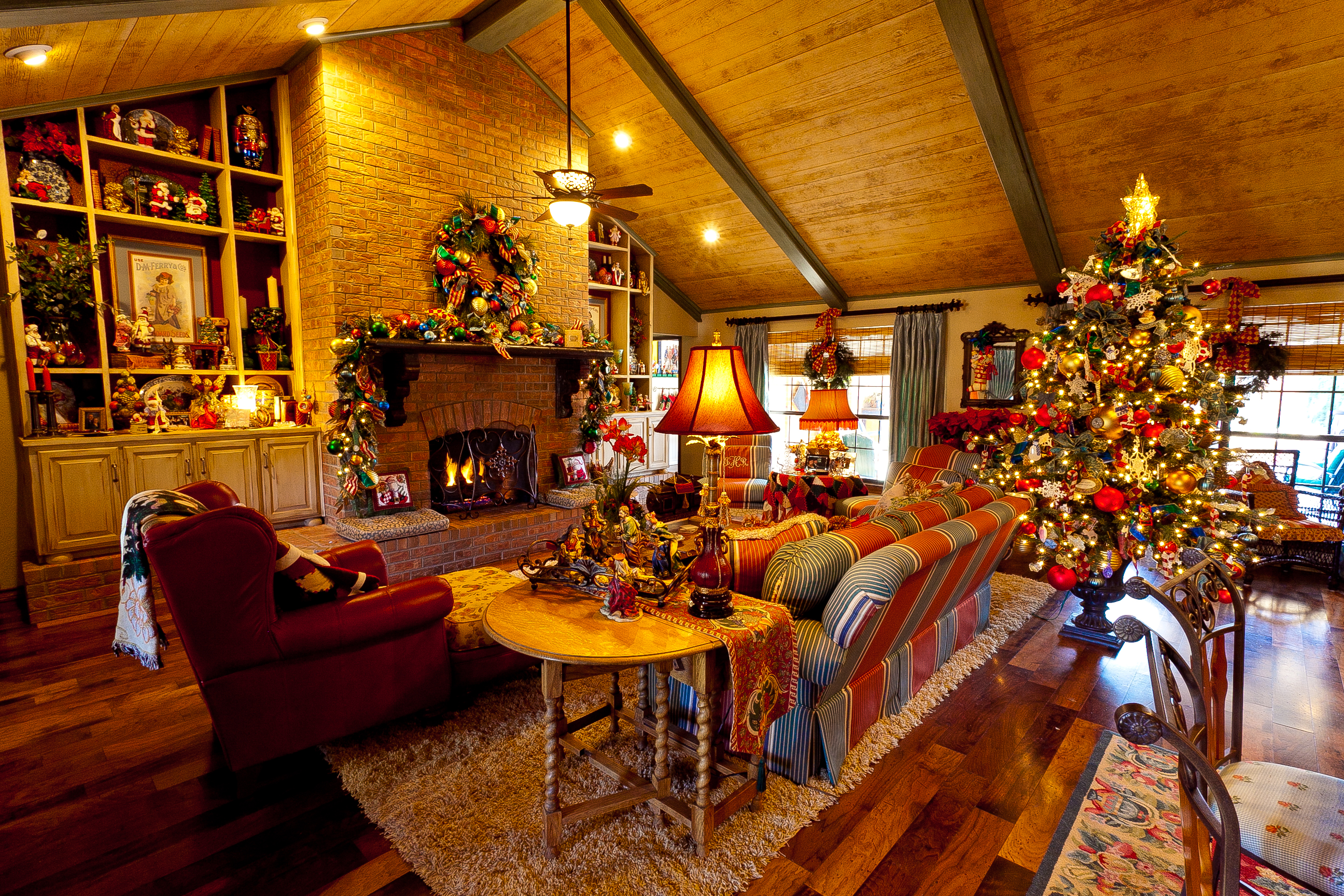 Show me a country french home dressed for christmas miss for French country family room