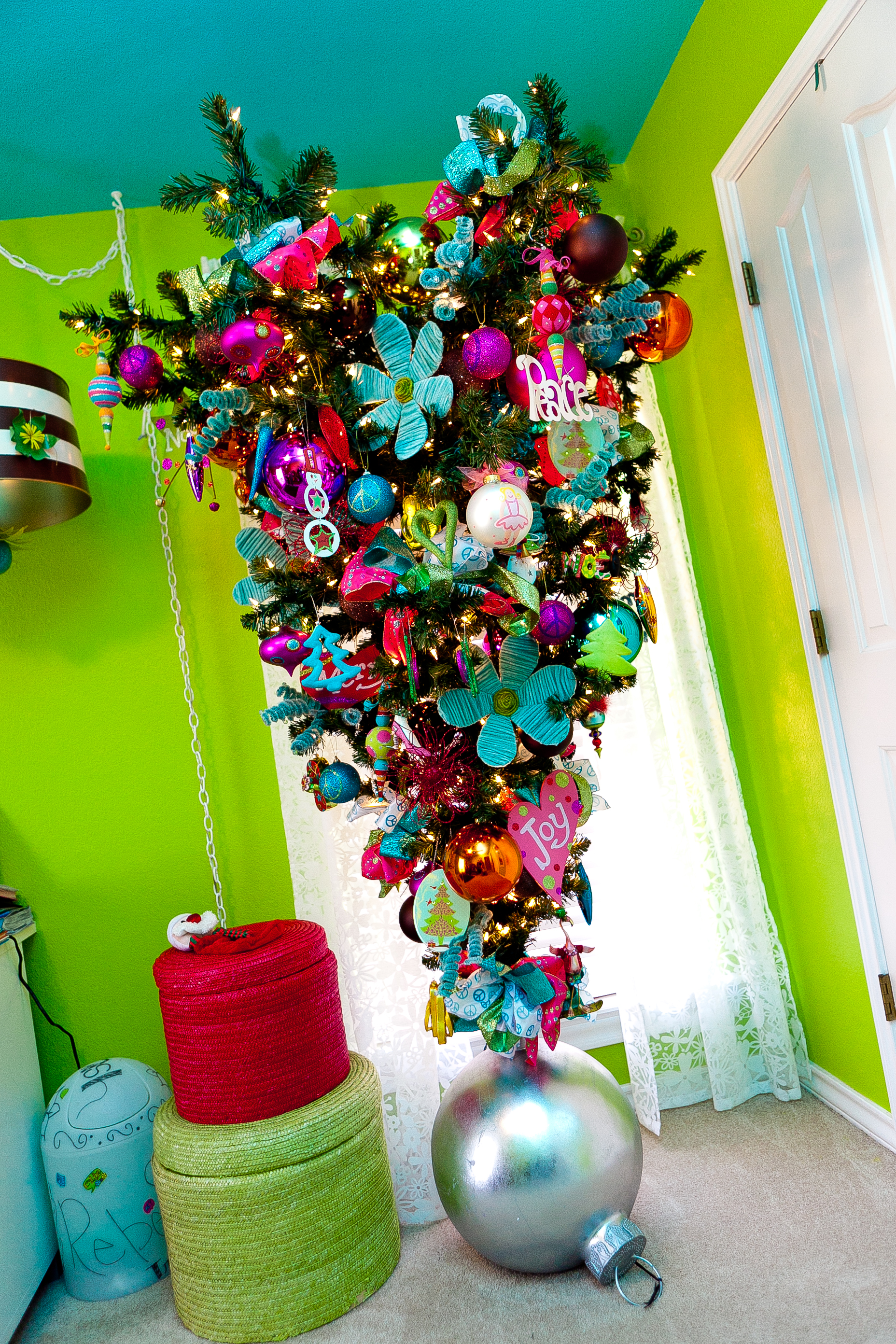 Show me a tween tree upside down show me decorating for Show me the color green