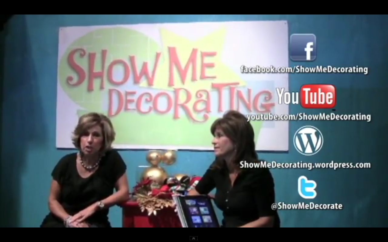 How to Decorate your Christmas tree with the Show Me Decorating How-To App!