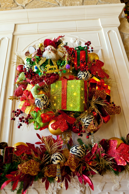Show Me Decorating Wreath Mark