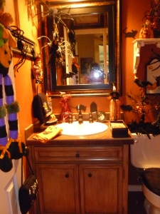 Beverly is not a scardy cat when it comes to halloween, every room is decorated and most have a fun touch of purple!