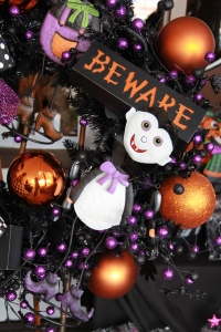 Beware sign lights up with batteries and warns Trick or treaters of the blood sucking vampire!