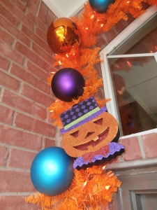 Glitter Jack- o- Lantern faces are light weight and add in after balls are attached.