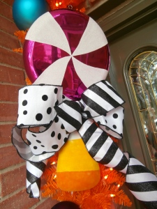 Giant lollipops and Candy corn, match the inspiration #Lisa Frost #Halloween banner.