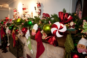 Sweet peppermint candy shows off this beautiful garland and stockings!