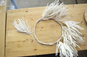 "Cut apart 14"" White Twister Grass Wreath"