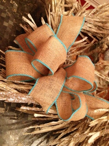 Wired ribbon bow, burlap with turquoise blue edge