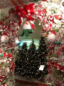 Snowman tree theme, Arch Tree, Doorway