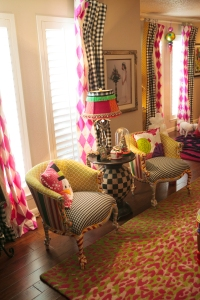 Christmas Decorating, Show Me Decorating, Christmas Decorating Themes, Black and White, Hot Pink