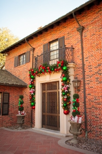 Christmas Decorations, Christmas Garlands, Show Me Decorating
