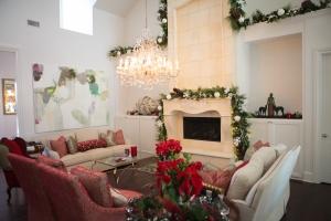 Christmas Decorating Ideas, Christmas Garlands, Show Me Decorating