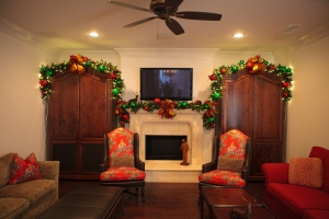 Christmas Decorating Ideas, Christmas Decorated Garlands, Christmas Garlands, Christmas Mantel