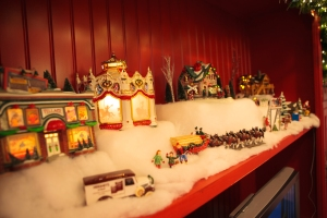 Christmas Decorating Ideas, Christmas Village, Show Me Decorating