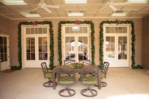 Christmas Decorating Ideas, Outside Christmas Decorations, Christmas Garlands, Show Me Decorating