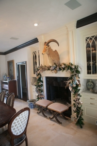 Christmas Mantle, Christmas Decorating ideas, Champagne Christmas