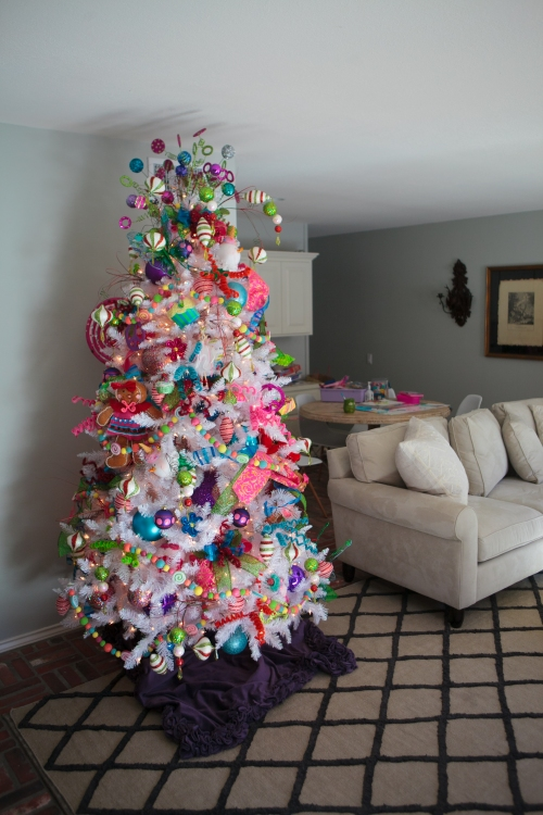 Show me decorating fun and funky christmas tree theme for 12 days of christmas decoration theme
