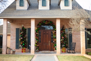 Christmas Garlands, Christmas Trees on a porch, Show Me Decorating, Christmas Decorating Ideas