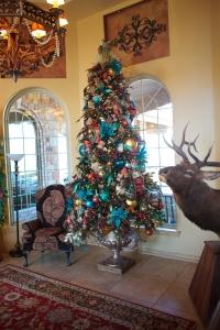 Peacock Christmas Tree, Christmas Decorating, Christmas Tree, Christmas Decorating Theme, How to decorate a Christmas Tree