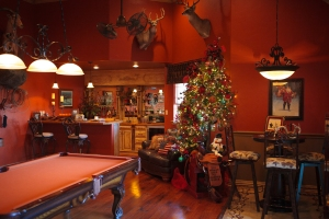 Christmas Decorating, Game Room Christmas, Show Me Decorating, Western Christmas