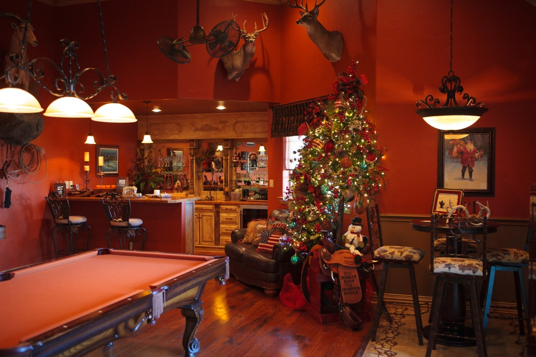 decorate house for christmas games