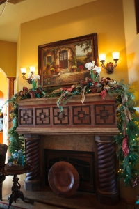 Christmas Mantle, Christmas Decorations, Show Me Decorating