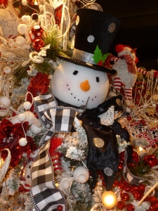 Frosty and friends Snowman Christmas tree theme