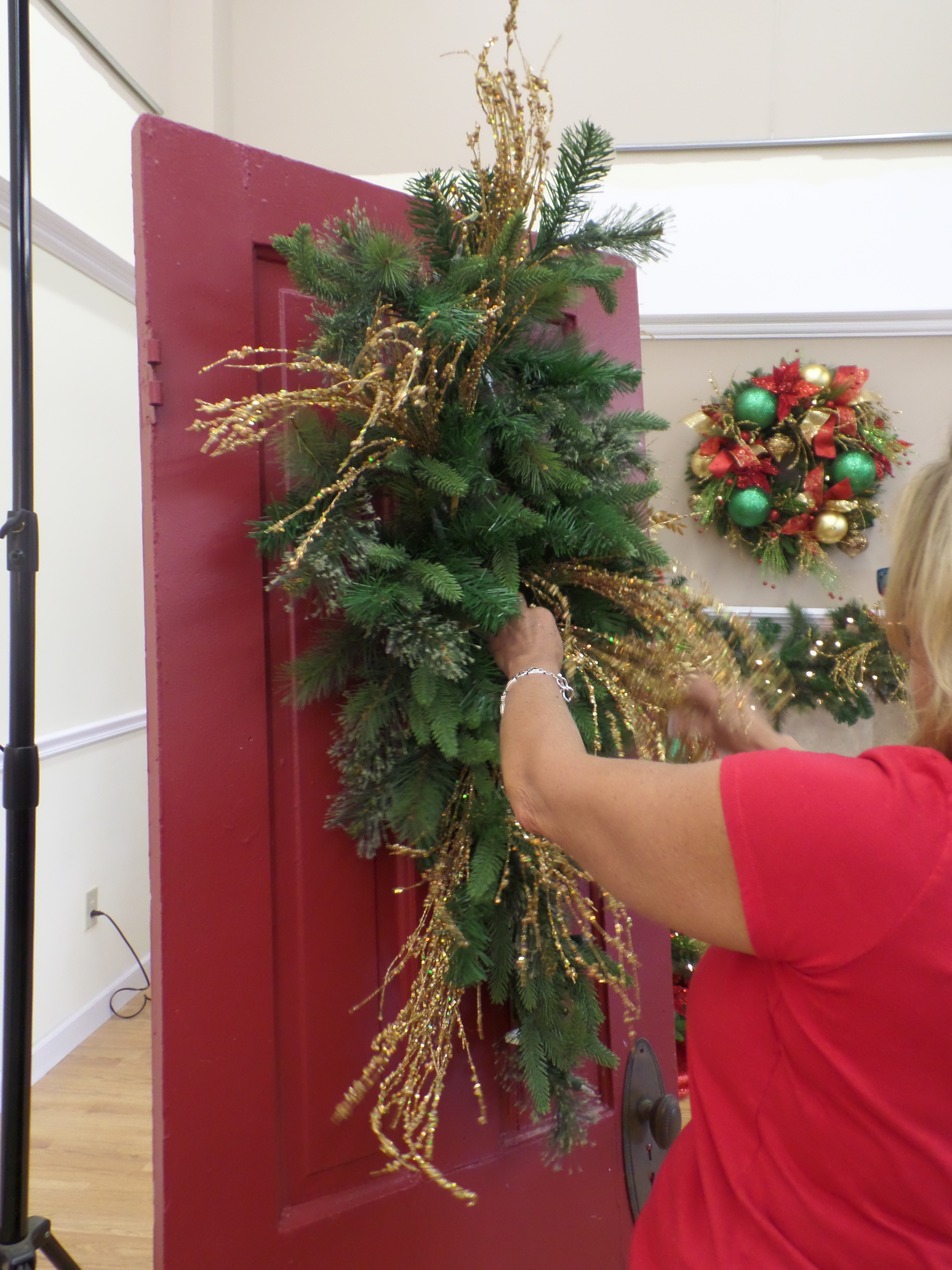 Show Me Ideas For Christmas Door Decor Miss Cayce 39 S