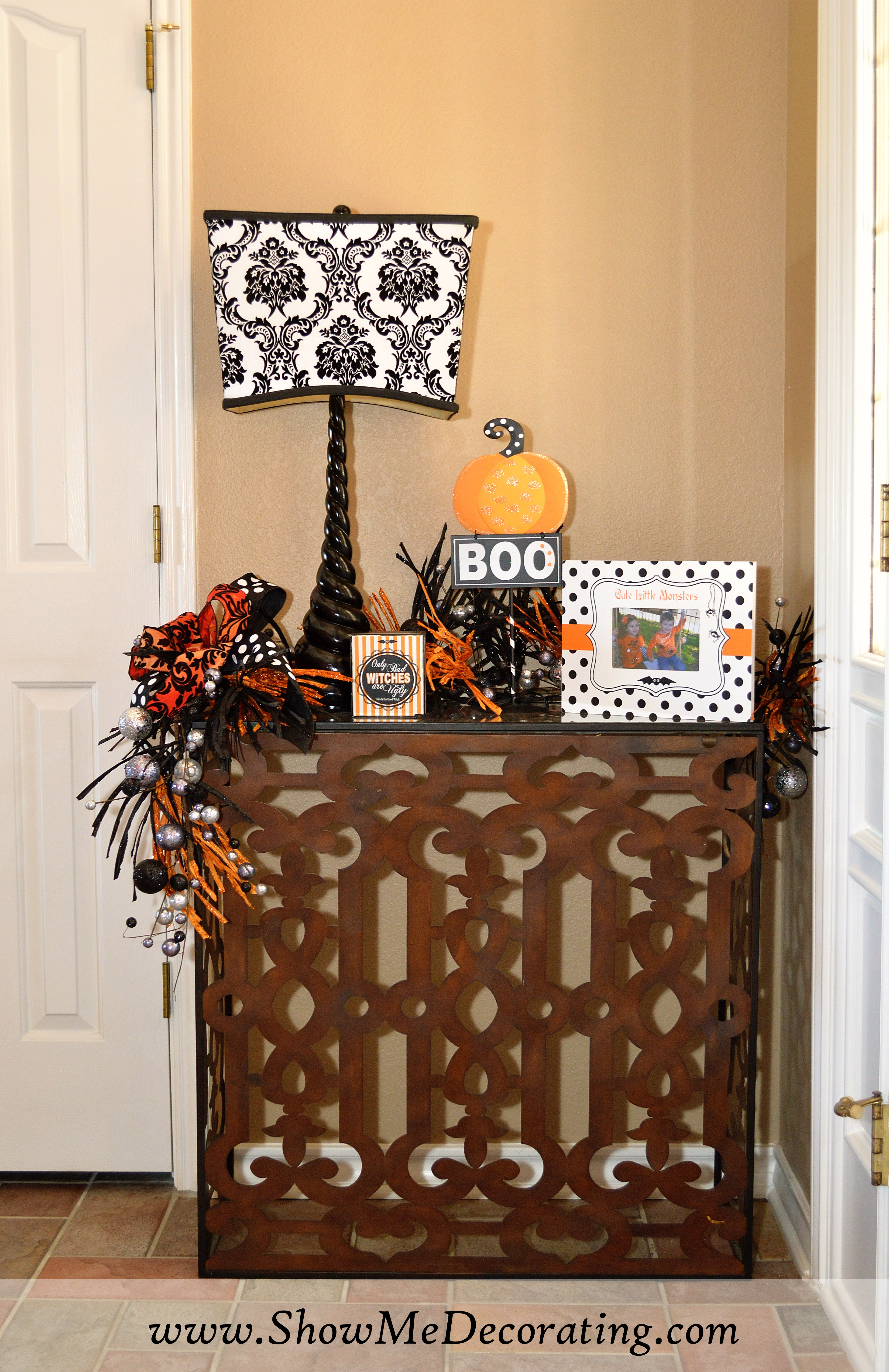 Enter if you dareHalloween entry! Show Me Decorating - Show Me Halloween Decorations