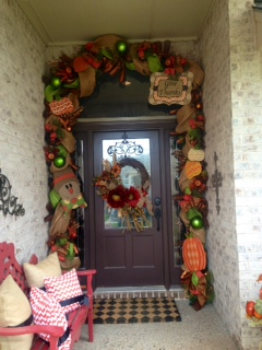 Fall Decorating, Fall Doorway, Fall DIY Decorating, Autumn Decorating