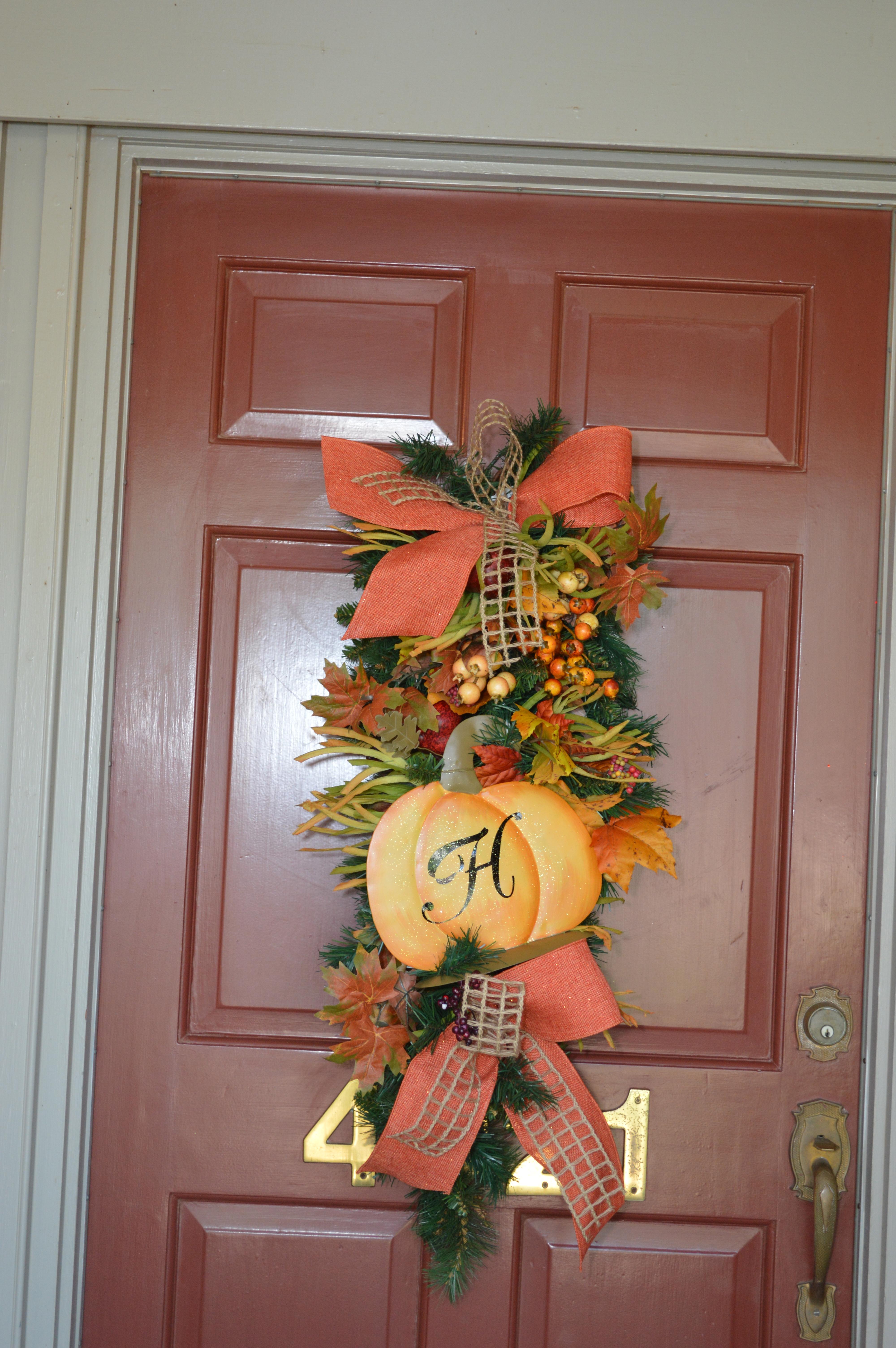 Seasonal Decorating blog for Christmas Holidays Home - Show Me Halloween Decorations