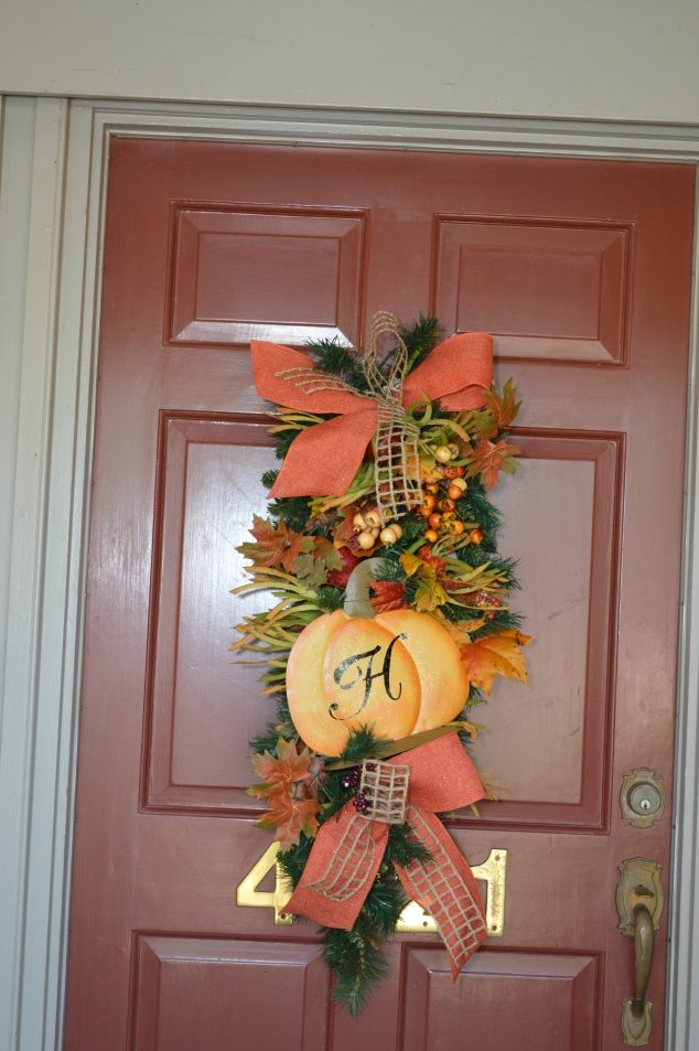 Personalized teardrop is perfect for a fall door decor!