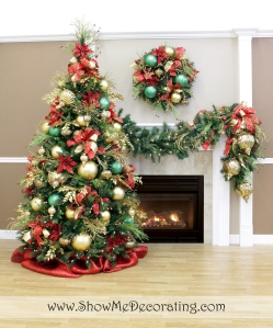 Royal Red and Gold Christmas Tree Theme, the Show Me Decorating tips and techniques will help you decorate your largest Christmas Decoration the Christmas Tree.