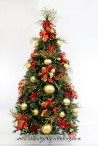 Royal Red and Gold Christmas Tree Theme, decorated with the Show Me Decorating 3 key ingredients