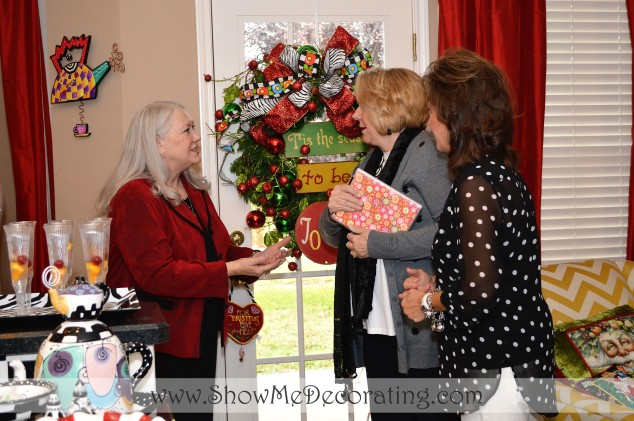 Becky and Mary trade decorating ideas with a loyal fan.