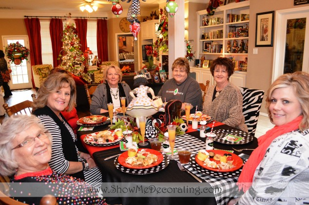 Mary Engelbriet fans and admirers enjoying a magical brunch with the artist!