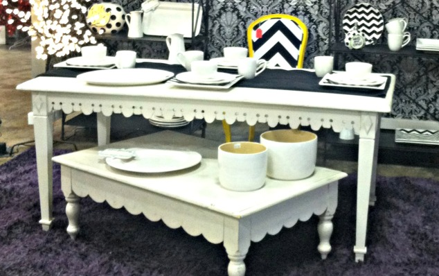 black and white, black and white table setting, white plates, coton colors