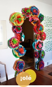 fiesta-flower-garland-door