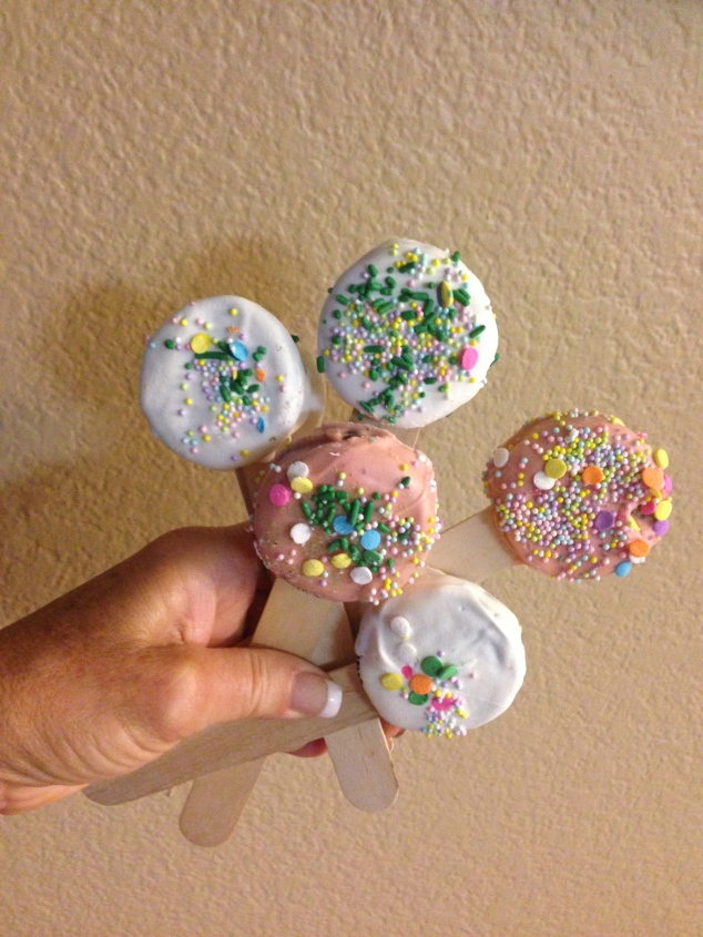 Cookie pops are cute and fun!