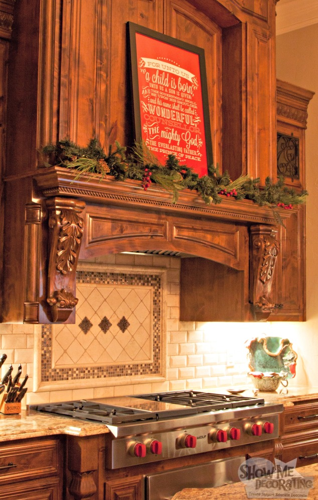 kitchen christmas decor, kitchen mantle garland, christmas decorations, simple christmas