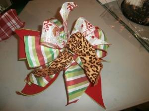 Christmas ribbon, tie a bow, bow app, tree trimming app, Christmas ribbon, animal print ribbon